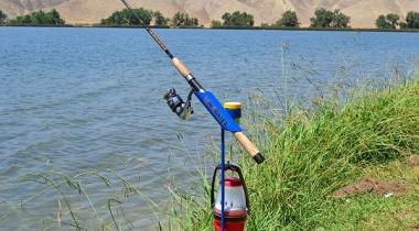 SamsOutdoorsman MiniFighter Fishing Rod Holder